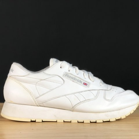 6e3c6d167d4d Vintage Reebok shoes women s size 9. Reebok Classic all look - Depop