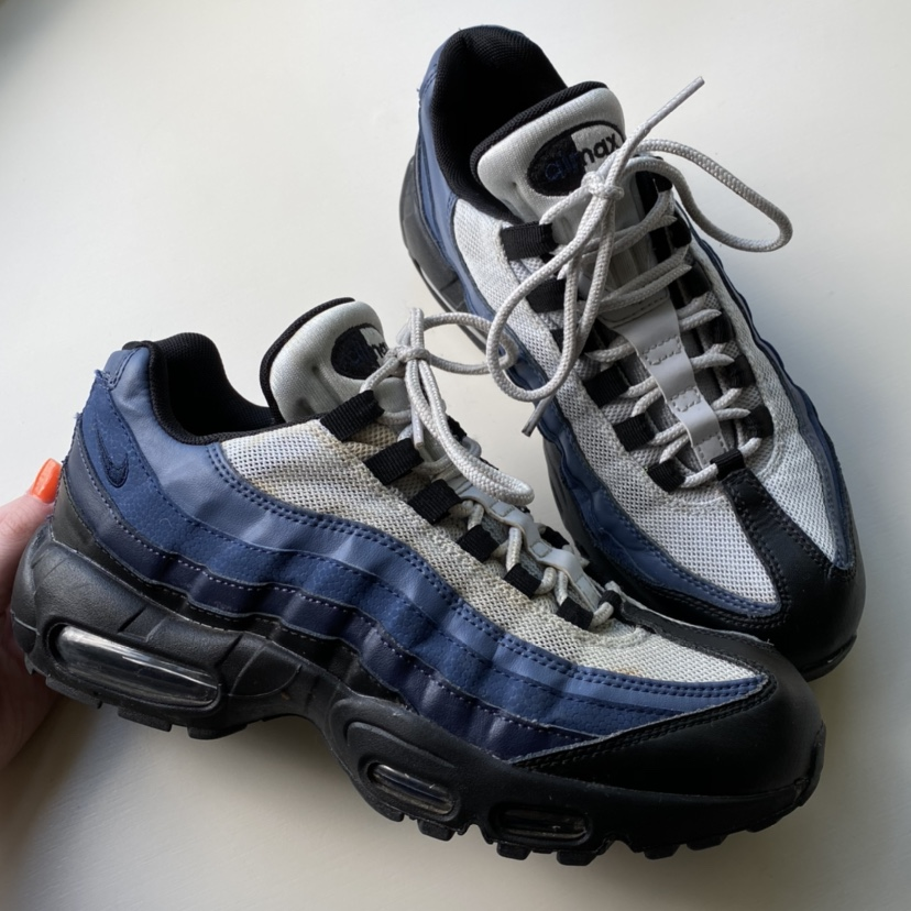 REDUCED Air max 95 Nike trainers size 6 really good...