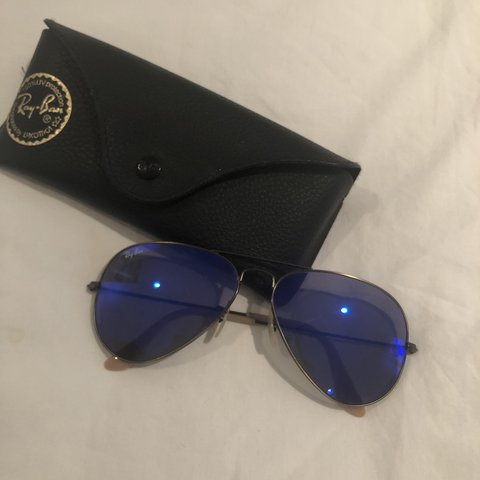 e1073bbf41 gently used Ray Ban aviator flash lenses violet mirror Come - Depop