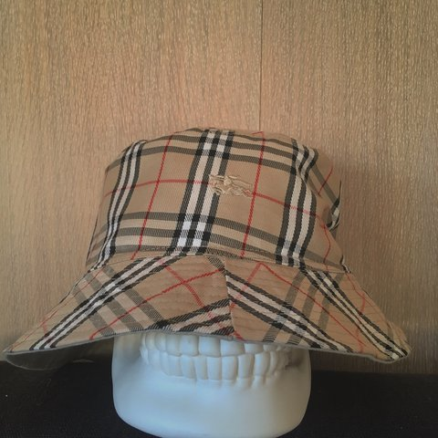 55dca2e93cf99 Burberry Bucket Hat - Vintage- Reversible- Size No Label - Depop
