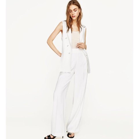 21ae9df5 @elliec0123. 11 months ago. Liverpool, United Kingdom. ZARA white wide leg  flowing palazzo trousers. SIZE XS worn once