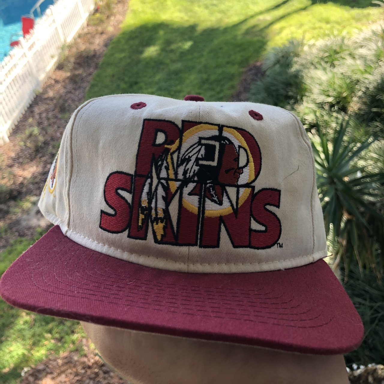 f4f474bb976 Vintage Washington Redskins hat in great condition with no - Depop