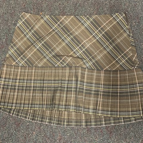 e1887fb165 Super adorable vintage torrid pleated plaid mini skirt! I I - Depop