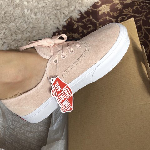 3bfb81888af Pink suede platform vans size 5 BRAND NEW WITH TAGS ‼ for - Depop