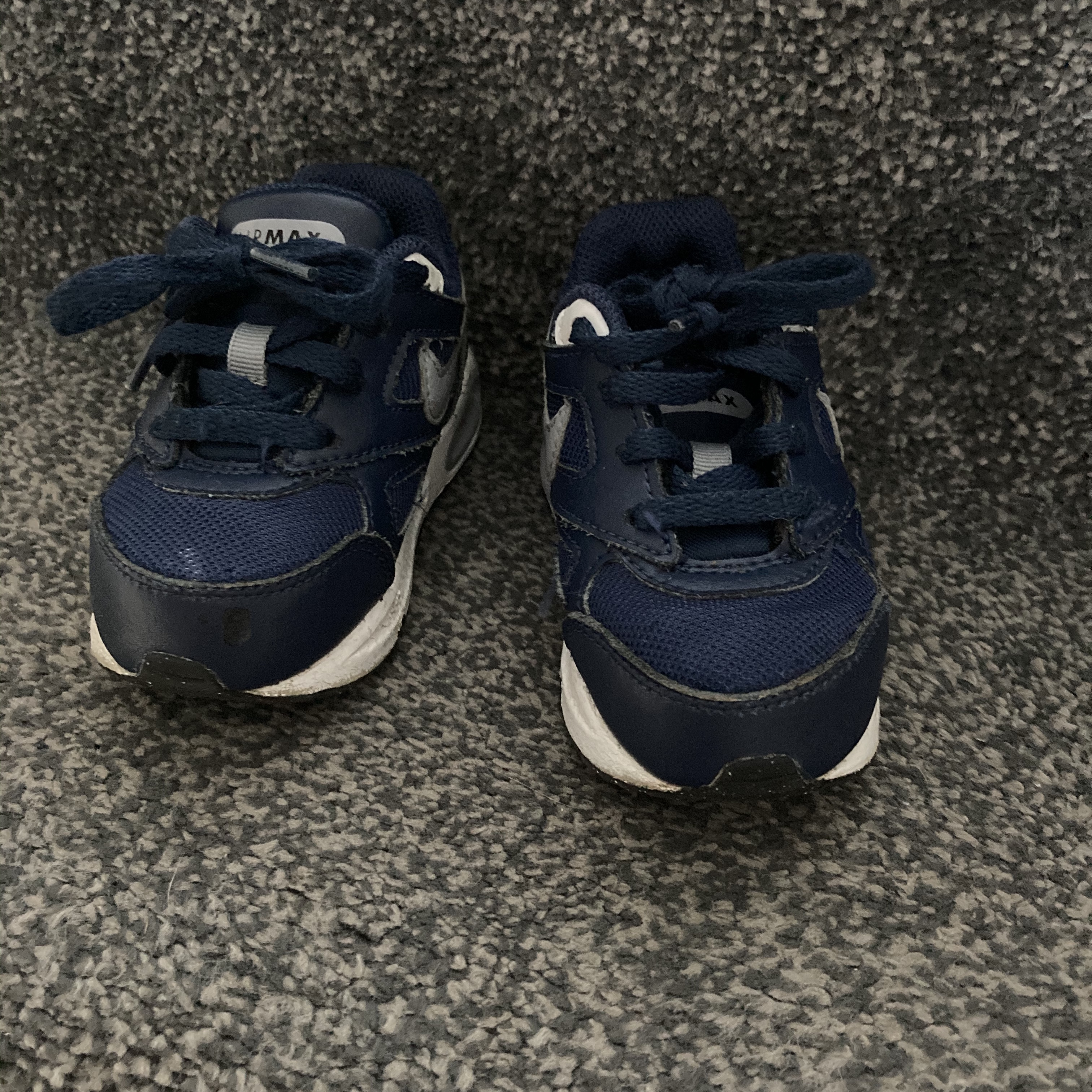 Infant boys 5.5 Nike trainers in good