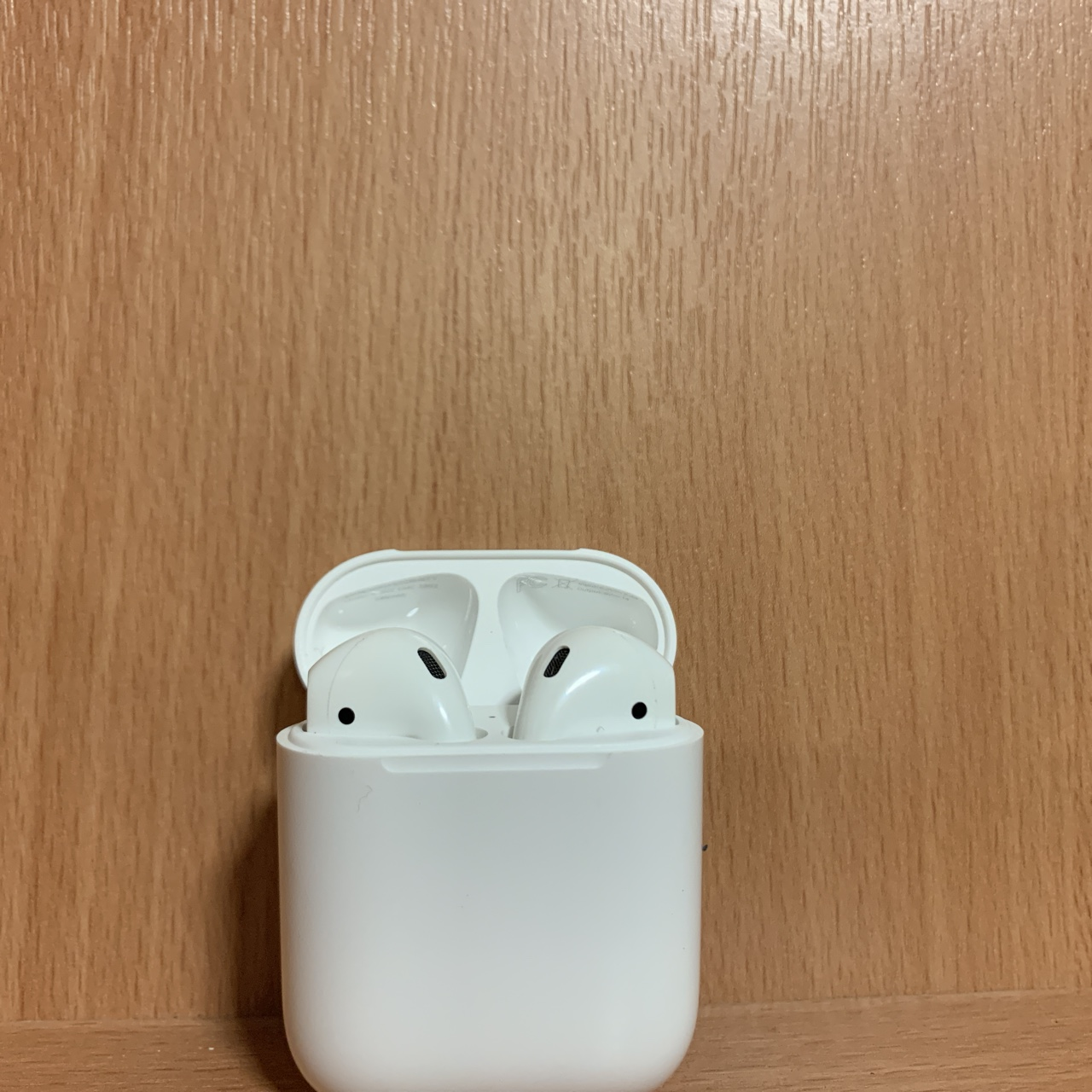 9/10 Apple airpods for sale  £80 would like to get    - Depop
