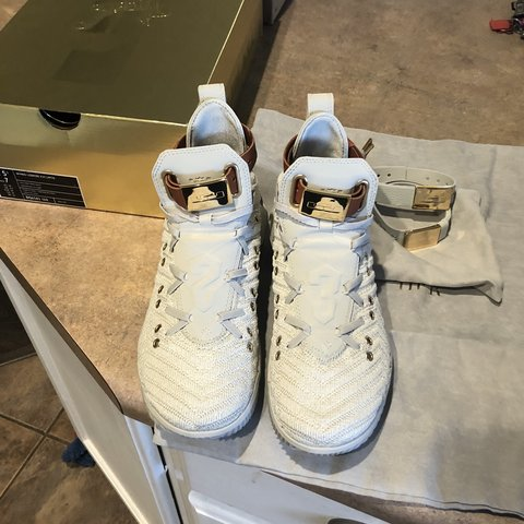 b63747a9f9d6  ctoan. 7 months ago. United States. Lebron 16 HFR Women s Size 7