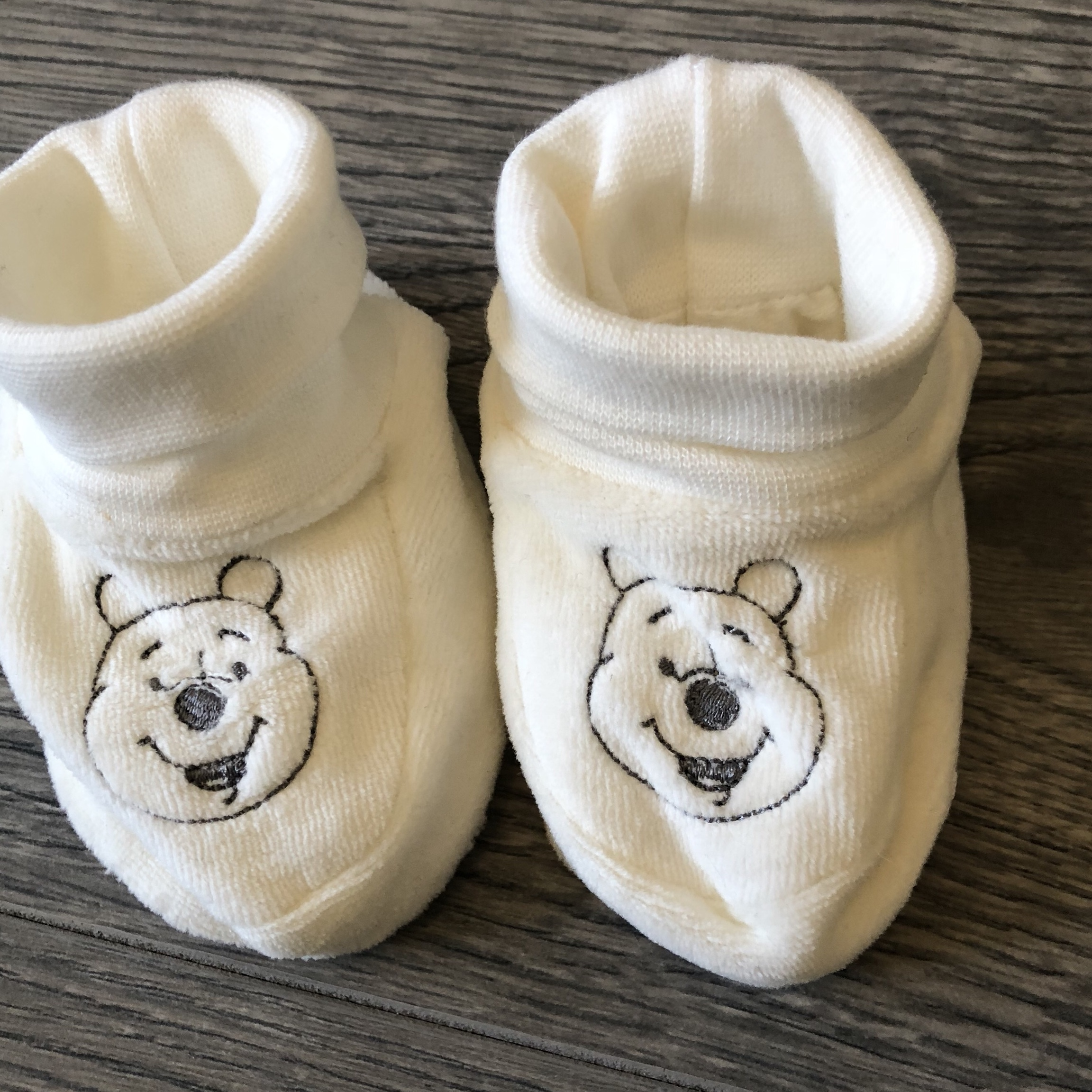 Winnie the Pooh baby booties brand new
