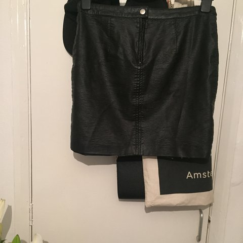 2cdc73530 @kels_aj. 2 years ago. Essex, UK. H&M divided leather pvc faux leather skirt  size 10. Black ...
