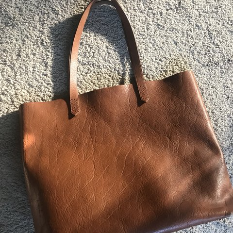 6b8d39ba040a @_dsarmiento10. 10 months ago. Concord, United States. Madewell transport  leather tote ...