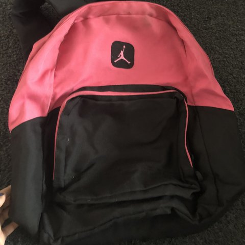 a15706fcdfabb8 large good condition pink air jordan backpack - Depop