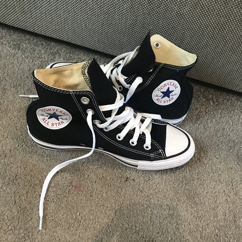 7c9fa75cbf8 Selling these brand new Hi Top Converse size 5. Never worn. - Depop