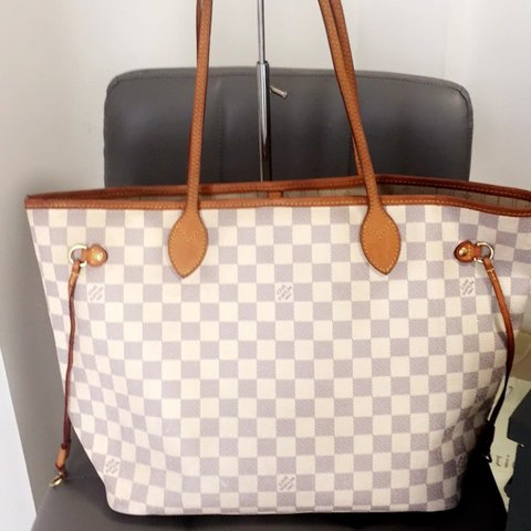 4c54488a2501 Louis Vuitton neverfull mm In damier azur lovely for the . a - Depop