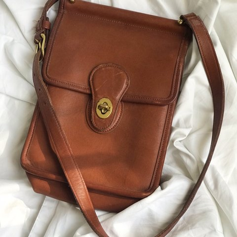 0390858477 Vintage COACH scooter crossbody bag with front flap and Bag - Depop