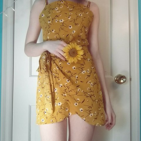 2841fd41814 Floral yellow sundress🌻🌻 This minidress is summery