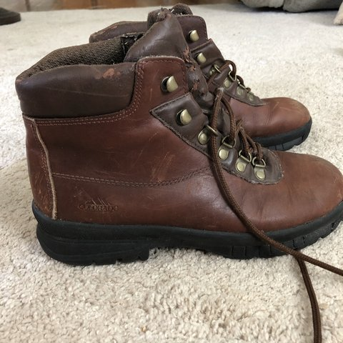 ba1f59e2534 VINTAGE COLORADO HIKING BOOTS from the 90s brown leather - Depop