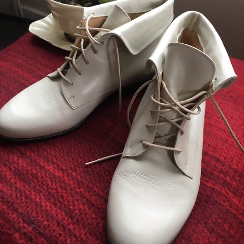 51af0f300e6 @jpetricola. 4 months ago. Olympia, United States. White Italian leather  ankle boots. Great condition.