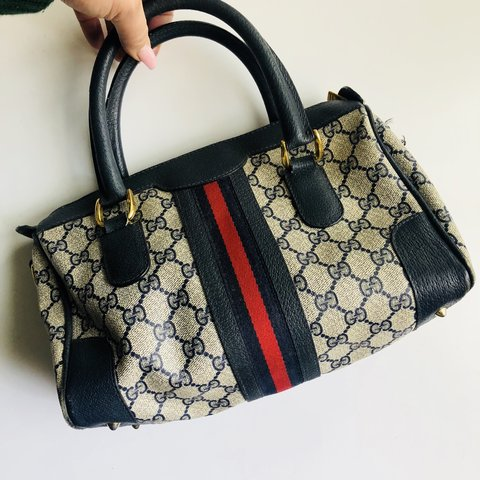 231052808ba66a @honeybunnie13. 3 months ago. Los Angeles, United States. Authentic Vintage  Gucci Bag ...