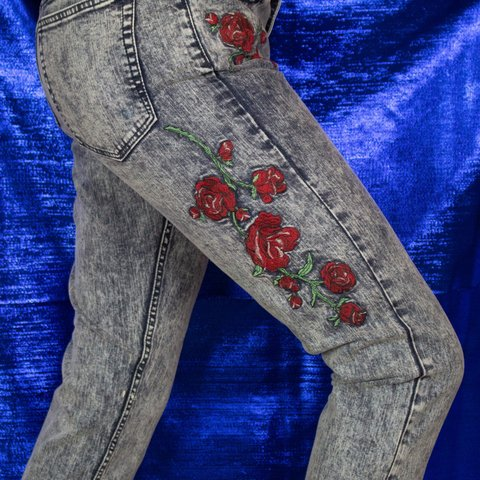 339e7d21e4bc5c FREE SHIPPING! THE CLAUDIO JEANS / HERE'S THE SKINNY: -SIZE: - Depop