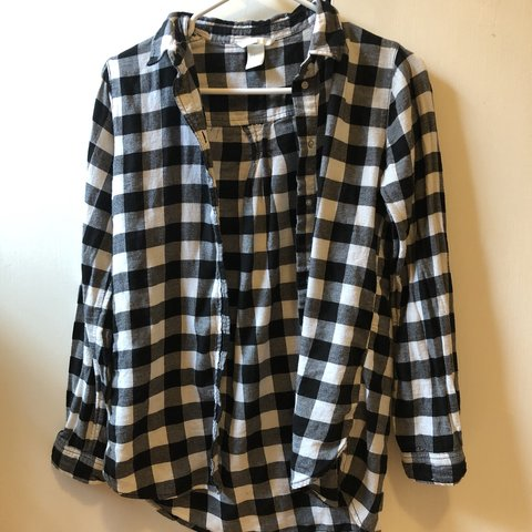 ef072b8e627989 @evawnduh4749. 9 months ago. Houston, United States. Black and white  checkered flannel. H&M Women's