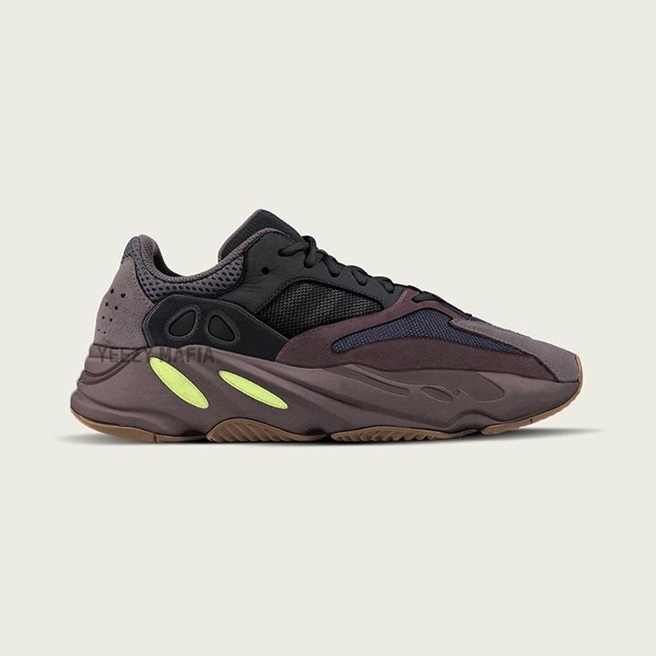 "f6635bcb1 Yeezy Boost 700 ""Mauve"" Sizes  UK 8-9 ONLY Price  £400 IN - Depop"