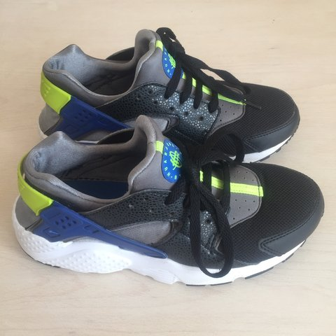 a0a63525d102 Nike Huarache Trainers - Size uk 5.5 Barely worn Nike in as - Depop