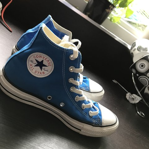 63a83833efeb Size 6 blue high top converse. Only worn a few times as they - Depop