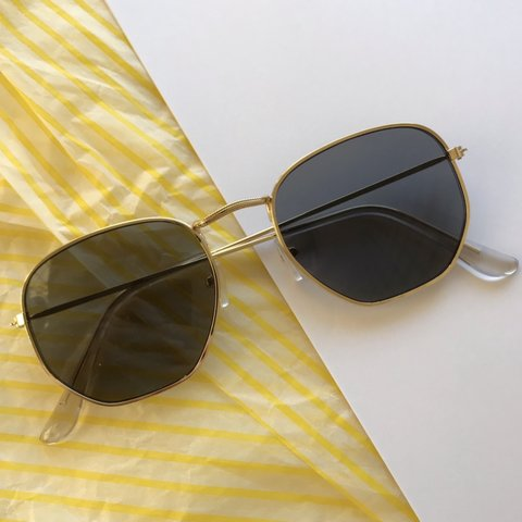 a5e9156d66 UNISEX VINTAGE HEXAGON LENS GOLD FRAME RETRO frame with sun - Depop