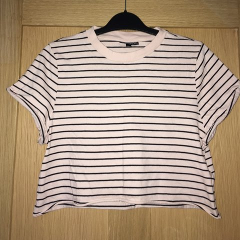 a118d57a6d3 @poppyx04. 4 months ago. Market Harborough, United Kingdom. pink and black striped  Topshop cropped t-shirt! ...