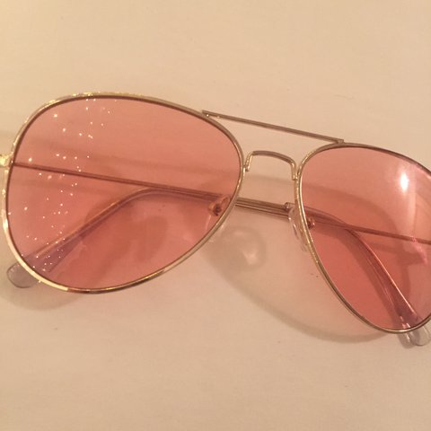 480fe5a5fe Urban outfitters 70s vibe pink sunglasses💞💞💞  sunglasses - Depop