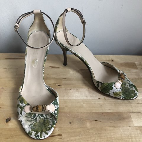 322a24309 GUCCI floral wooden stiletto heels shoes sandals with ankle - Depop