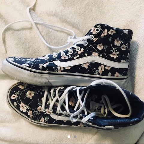 1074e36e9683ce Vans sneakers high tops floral pattern all over Women size 8 - Depop