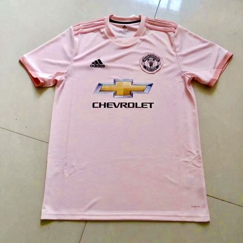 c0c2a2380 2018 19 Manchester United Away jersey Brand new with small - Depop