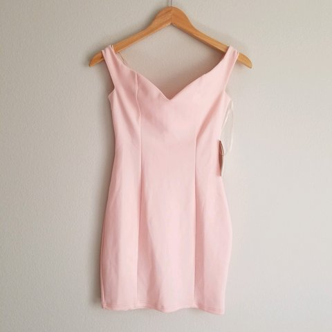 bc9fdfdf Tobi - Pink off the shoulder sweetheart dress Size S Brand ! - Depop