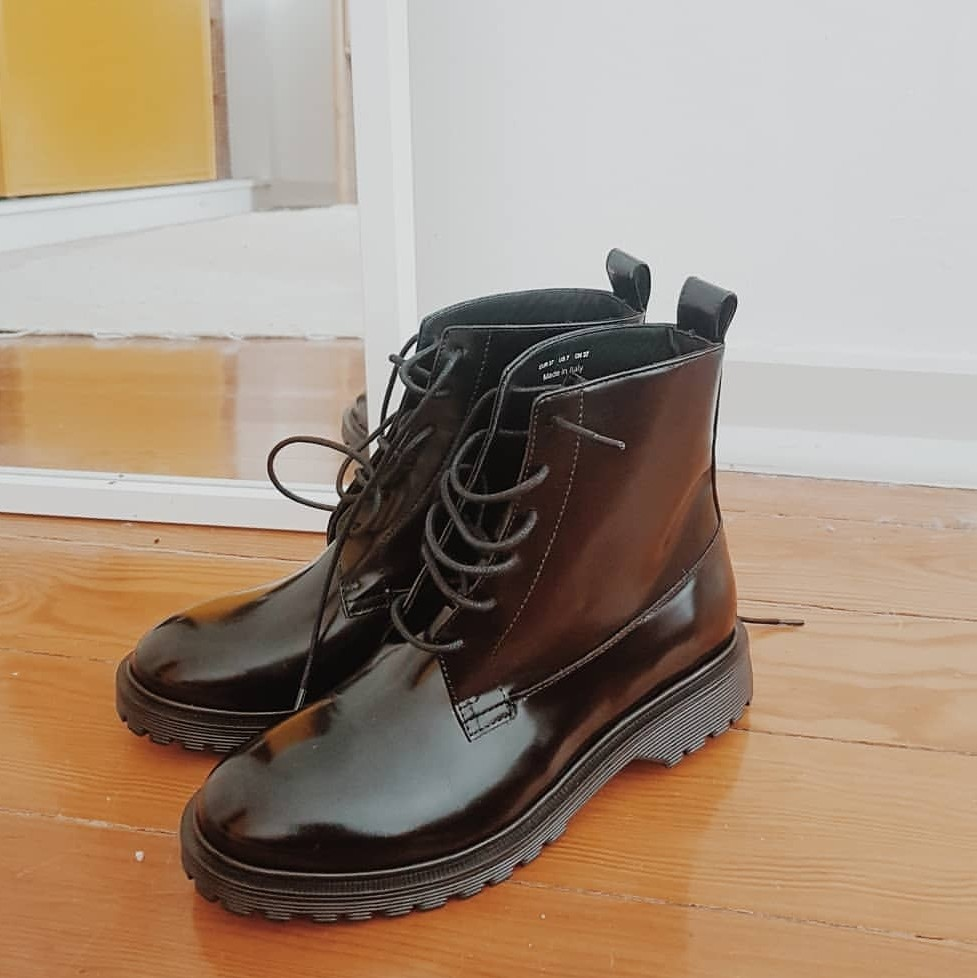 Lace-up black Chunky leather boots