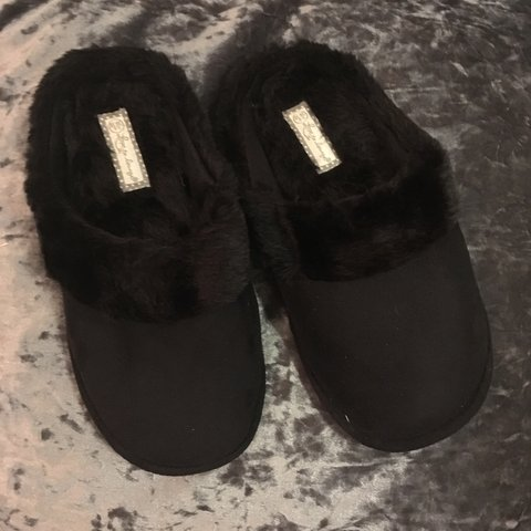 c576a5fe610 Ladies black memory foam slippers UK Size 5 - 6 New without - Depop