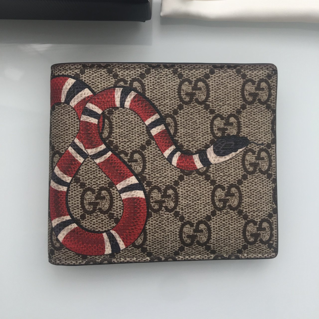 3ee09bf037ef Gucci snake wallet, pretty condition barely used easily 9/10 - Depop