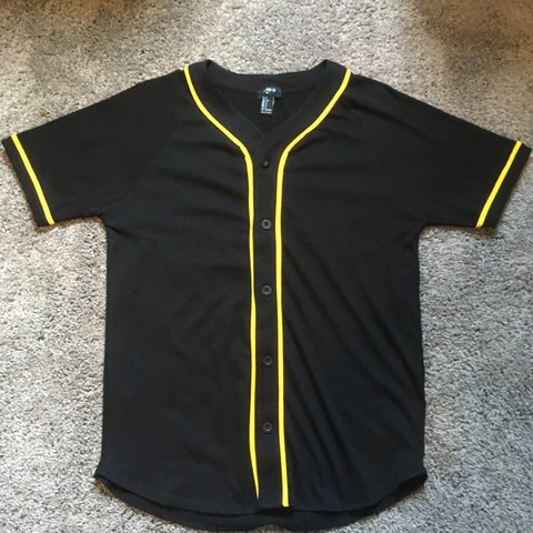 d0a7e3c9a0dd Forever 21 Men Black and Yellow Baseball Jersey Size : Like - Depop