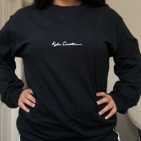 4bad69428390 @noagipi. 9 months ago. Santa Clarita, United States. Authentic Rare  limited edition Kylie Jenner long sleeve graphic tee.