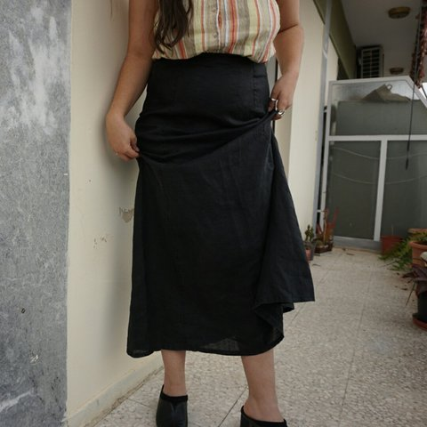f903c11d85 The Black Linen Maxi Skirt Very simple but elegant skirt by - Depop