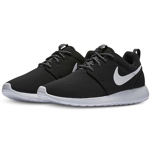 best sneakers 0fc33 4ebc5 NIKE ROSHE ONE SIZE US 7.5 (WOMENS) Black with white... - Depop