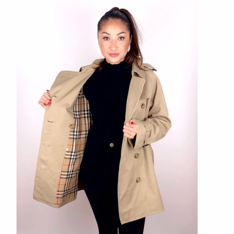 fb0e2a10c64762 @xclusivelyvintage. 5 months ago. London, United Kingdom. Women's Vintage  Burberrys Belted Trench Coat ...