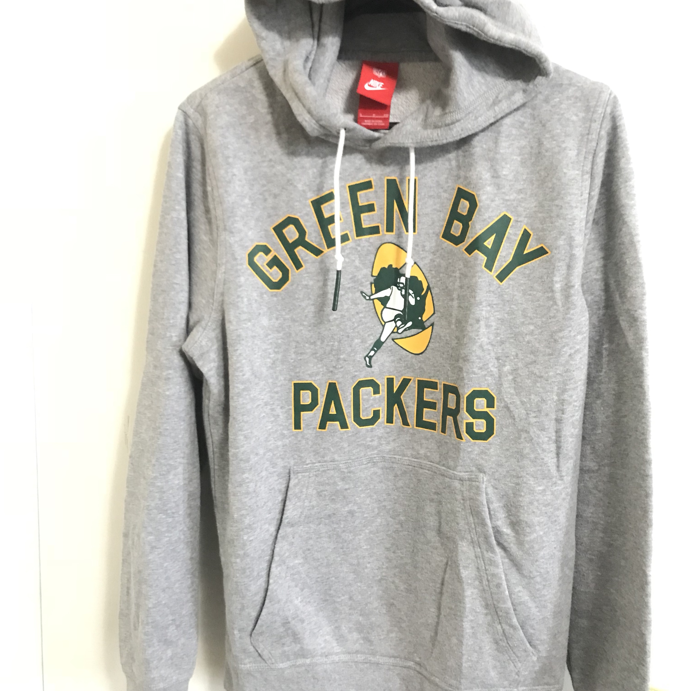 new style febc3 bae85 Vintage Nike green bay packers hoodie size Small - Depop