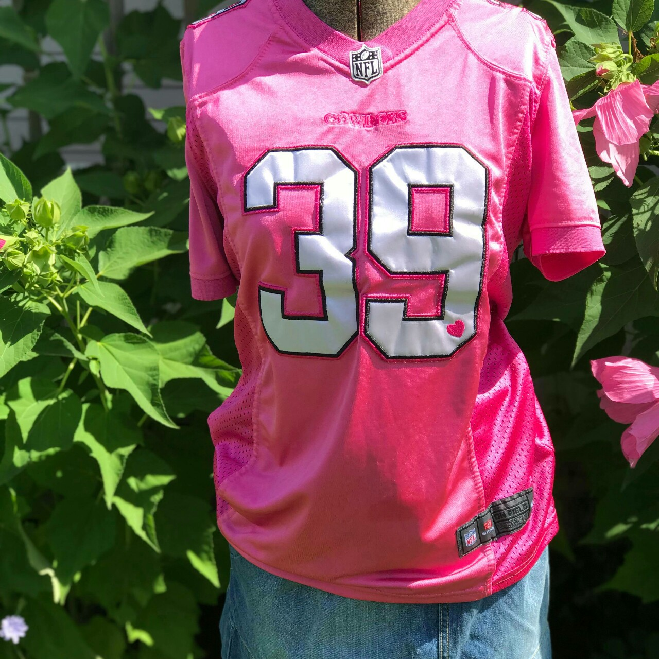 purchase cheap 42344 3d092 Pink Dallas Cowboys Jersey Offically Nike NFL #39... - Depop