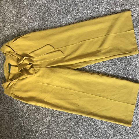 650ab0e1e7 Mustard yellow   chartreuse cullotes from primark size 6 a a - Depop