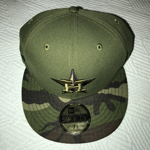 891e85ee04207b 2017 Houston Astros Memorial Day Cap 7 1/8 Brand New w/tags - Depop