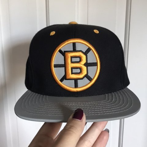 92b678db9 @nmotta0429. 3 months ago. Middletown, United States. Black Boston Bruins  hat. Mitchell and Ness Worn once. Brim 3m.