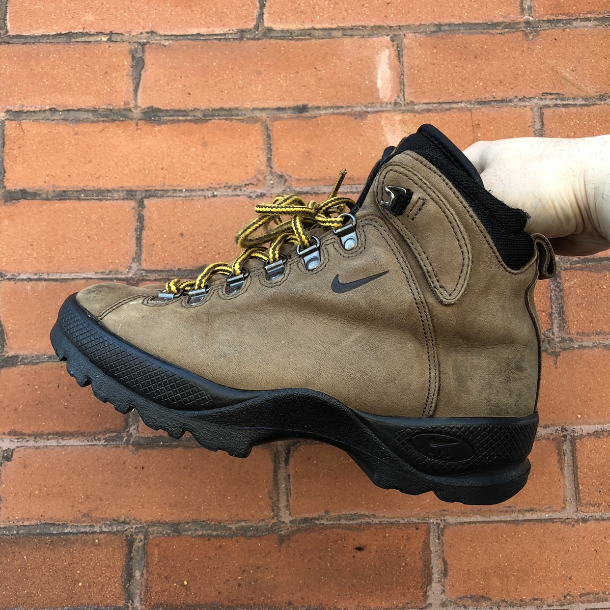 Vintage Nike Acg boots. Size 7. In good