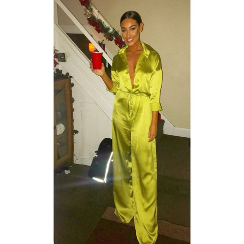 4c31559a9b2 Kourtney collection PLT Lime green oversized jumpsuit Size 8 - Depop