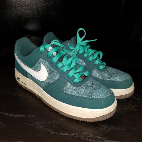 408e920a5df69e Rare atomic teal snakeskin air force 1 . Size 9.5 . Great . - Depop